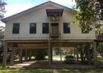 Foreclosed Home in Highlands 77562 16 SANDY LN - Property ID: 4081163