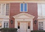 Foreclosed Home in Louisville 40207 9 DUPONT WAY APT 6 - Property ID: 4086264