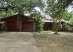 Foreclosed Home in Fort Worth 76112 1401 CANTERBURY CIR - Property ID: 4090018