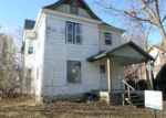 Foreclosed Home in Cedar Falls 50613 1121 STATE ST - Property ID: 4092244