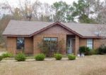 Foreclosed Home in Tuskegee Institute 36088 3002 MCFADDEN DR - Property ID: 4095310