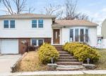 Foreclosed Home in Woodbridge 7095 11 FLEETWOOD RD - Property ID: 4095796