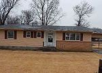 Foreclosed Home in Oswego 67356 1106 SUNSET DR - Property ID: 4096374