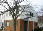 Foreclosed Home in Essex 21221 10 LUFFING CT - Property ID: 4097199