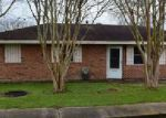 Foreclosed Home in Raceland 70394 420 CYPRESS ST - Property ID: 4097382