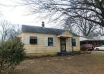 Foreclosed Home in Memphis 38111 3741 BARRON AVE - Property ID: 4102439