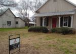 Foreclosed Home in Devine 78016 310 S JAMISON DR - Property ID: 4109880