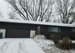 Foreclosed Home in Waterloo 50701 1445 MEADOW LN - Property ID: 4114023