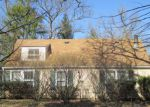 Foreclosed Home in Mchenry 60050 7924 BULL VALLEY RD - Property ID: 4115085