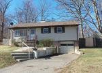Foreclosed Home in Lincoln Park 7035 50 HENRY TER - Property ID: 4117886
