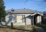 Foreclosed Home in Fresno 93728 2202 W DENNETT AVE - Property ID: 4118384