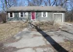 Foreclosed Home in Spring Hill 66083 21135 S CEDAR NILES RD - Property ID: 4119059