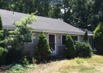 Foreclosed Home in North Haven 6473 416 POOL RD - Property ID: 4124089