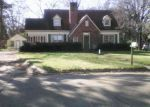 Foreclosed Home in Greenville 38701 841 MCALLISTER ST - Property ID: 4124121