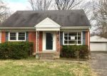 Foreclosed Home in Louisville 40220 3051 WEDGEWOOD WAY - Property ID: 4125849
