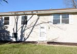 Foreclosed Home in Merrillville 46410 2902 W 73RD PL - Property ID: 4126363