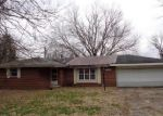 Foreclosed Home in Columbus 47201 14501 S JONESVILLE RD - Property ID: 4127391