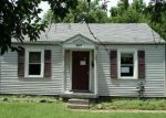 Foreclosed Home in Louisville 40215 3475 GLENDALE AVE - Property ID: 4129009