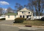 Foreclosed Home in Central Islip 11722 7 ANNE LN - Property ID: 4129514