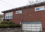 Foreclosed Home in Bethel Park 15102 5827 HORSESHOE DR - Property ID: 4129941