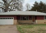 Foreclosed Home in Ponca City 74601 725 E ALBANY AVE - Property ID: 4130113