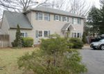 Foreclosed Home in Lake Grove 11755 1 ELKWOOD ST - Property ID: 4130744