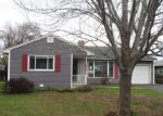 Foreclosed Home in Yakima 98902 905 S 28TH AVE - Property ID: 4133151
