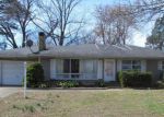Foreclosed Home in Murphysboro 62966 2117 RAINBOW DR - Property ID: 4138084