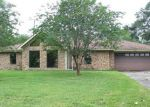 Foreclosed Home in Beaumont 77707 2365 WILLOWGLEN DR - Property ID: 4138704