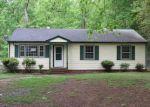 Foreclosed Home in Richmond 23224 2304 HUTH RD - Property ID: 4142293