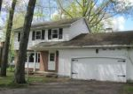 Foreclosed Home in Youngstown 44511 824 SHIELDS RD - Property ID: 4142414