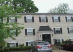Foreclosed Home in Louisville 40243 204 MIDDLETOWN SQ - Property ID: 4144031