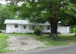 Foreclosed Home in Lexington 38351 1490 POPLAR SPGS BARG RD - Property ID: 4144316
