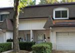Foreclosed Home in Wilmette 60091 208 PIN OAK DR - Property ID: 4148714