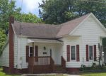 Foreclosed Home in Pinckneyville 62274 406 E PARKER ST - Property ID: 4149761