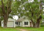 Foreclosed Home in Pekin 61554 12517 CARTER RD - Property ID: 4149775