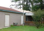 Foreclosed Home in Wallace 28466 209 W CARR ST - Property ID: 4151022