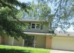 Foreclosed Home in Hartford City 47348 405 N MEADOW LN - Property ID: 4152205
