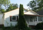 Foreclosed Home in Centralia 62801 933 E BROADWAY - Property ID: 4153259