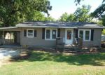Foreclosed Home in Fayetteville 72701 832 W WALKER ST - Property ID: 4153312