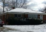 Foreclosed Home in Oak Park 48237 24190 WESTHAMPTON ST - Property ID: 4154758