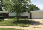 Foreclosed Home in Oak Creek 53154 9747S S SHEPARD HILLS CIR - Property ID: 4156711