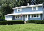 Foreclosed Home in Coram 11727 17 MEEHAN LN - Property ID: 4158597