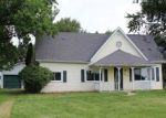 Foreclosed Home in Bluffton 46714 1043 E GARHARD ST - Property ID: 4160130