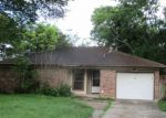 Foreclosed Home in Angleton 77515 725 E PLUM ST - Property ID: 4160631