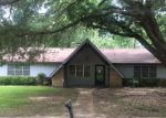 Foreclosed Home in Clinton 39056 1701 TWIN OAKS DR - Property ID: 4160805
