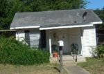 Foreclosed Home in Pleasanton 78064 907 MARTIN ST - Property ID: 4161314