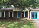 Foreclosed Home in Louisville 40258 7601 MARIE ANNA DR - Property ID: 4161821
