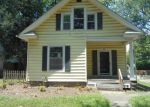 Foreclosed Home in Topeka 66606 931 SW LINDENWOOD AVE - Property ID: 4163838