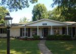 Foreclosed Home in Saint Louis 63137 160 GREEN ACRES RD - Property ID: 4189124